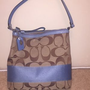 Authentic Coach Signature Series Purse.